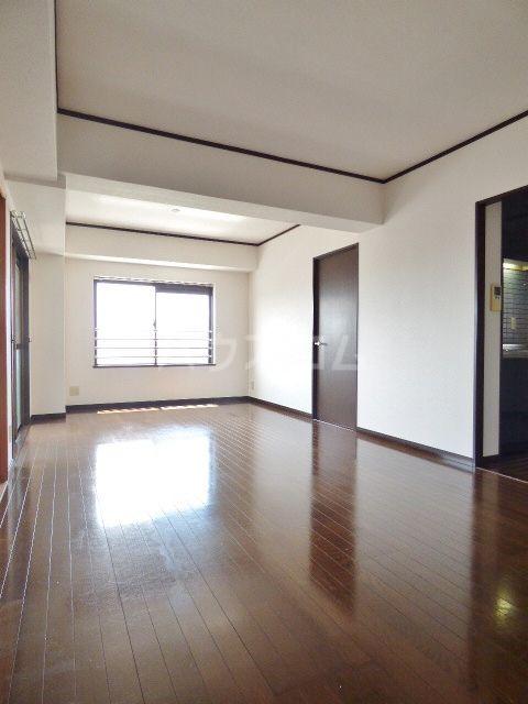 ロマネスク箱崎第3 1201号室のリビング