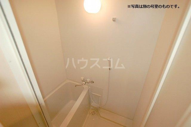 シュプリームメゾンB 103号室の風呂