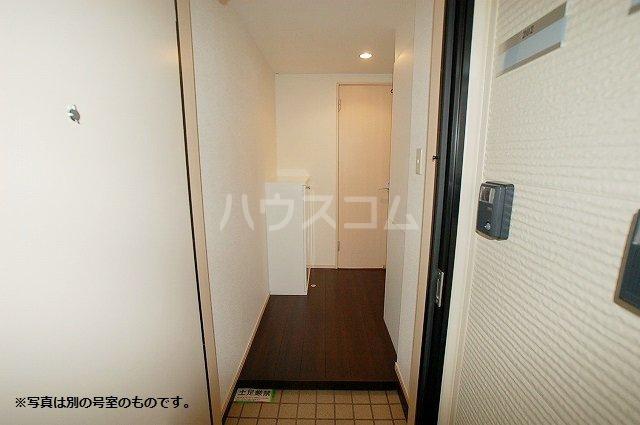 シュプリームメゾンB 103号室の玄関