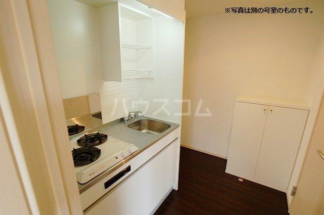 シュプリームメゾンB 103号室のキッチン