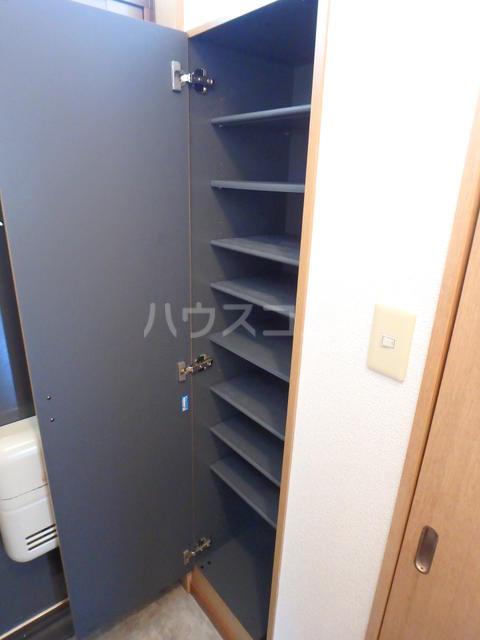 エスカーダ21 202号室の玄関