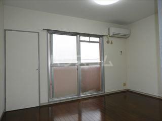 ネオパレス名島 103号室の景色