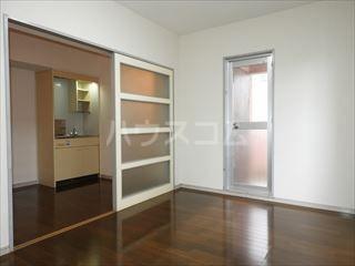 ネオパレス名島 103号室の居室