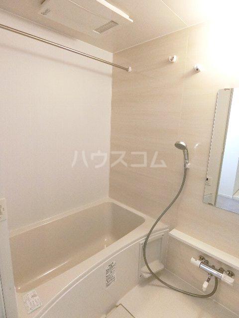 MCG吉塚 201号室の風呂
