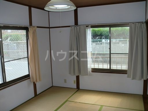 松島ハイツ 11号室のリビング