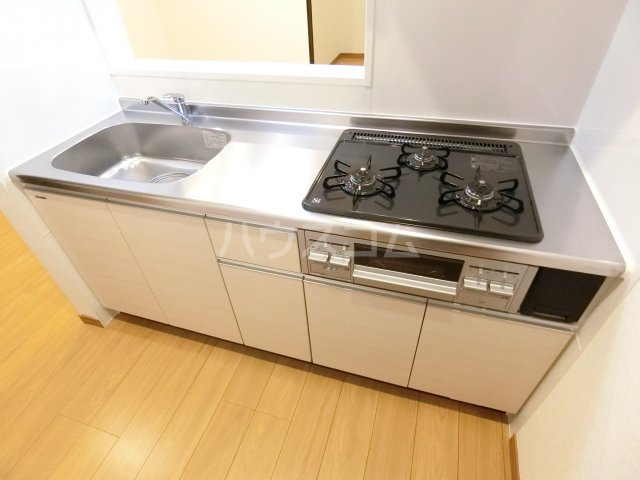 RIVAGE箱崎東 201号室のキッチン
