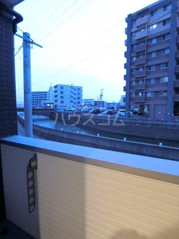 RIVAGE箱崎東 201号室のバルコニー