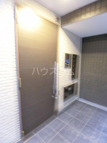 RIVAGE箱崎東 201号室のエントランス