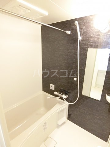 RIVAGE箱崎東 201号室の風呂