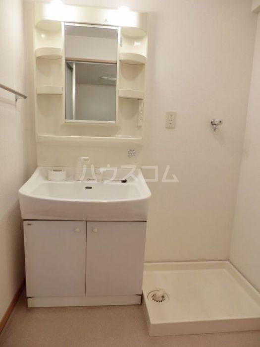 フォーレストセリーヌ'21 103号室の洗面所