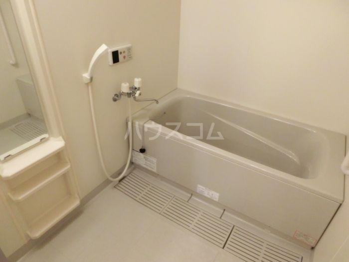 フォーレストセリーヌ'21 103号室の風呂