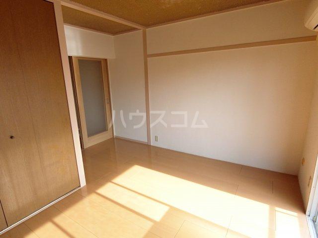 川嶋コーポ 301号室の居室