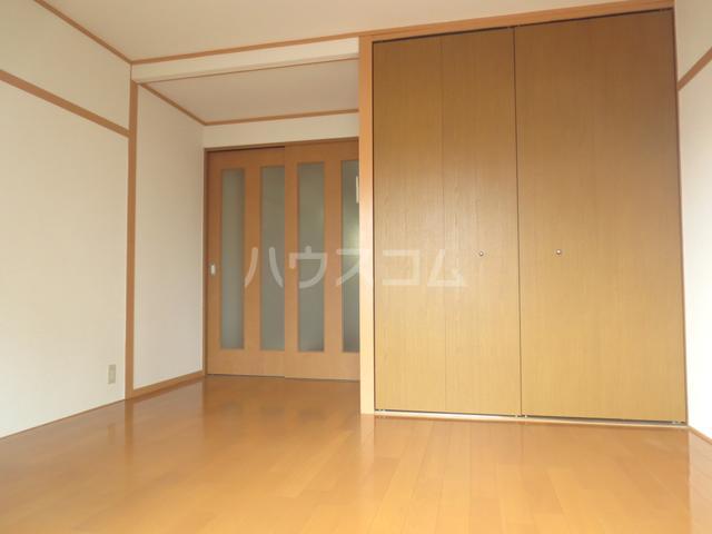 川嶋コーポ 305号室のリビング
