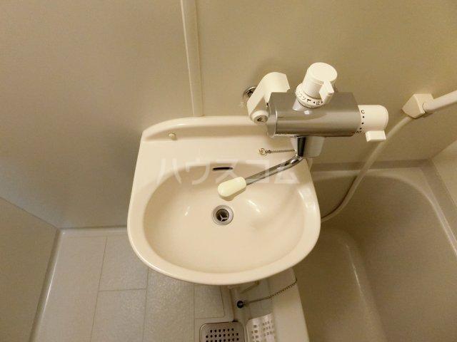 コンフォートスペース箱崎 202号室の洗面所