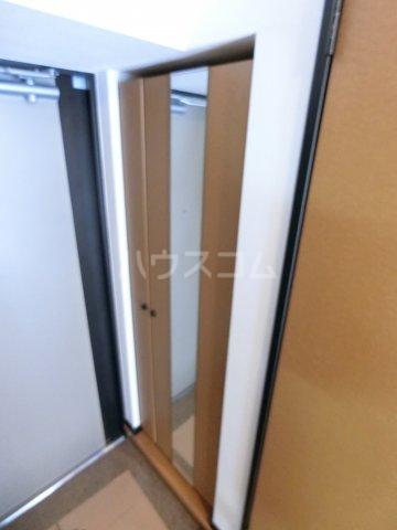 コンフォートスペース箱崎 202号室の玄関