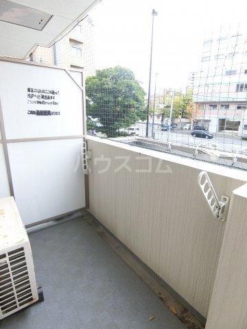 コンフォートスペース箱崎 202号室のバルコニー