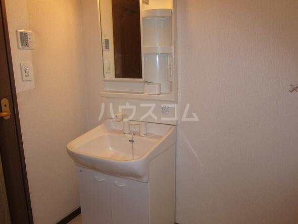 コーポマロニエA棟 202号室の洗面所