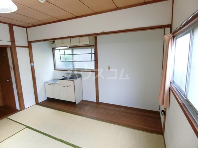 田中荘 203号室のリビング