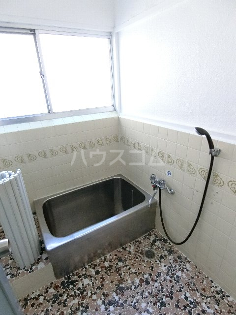 ヒカリコーポ 103号室の風呂