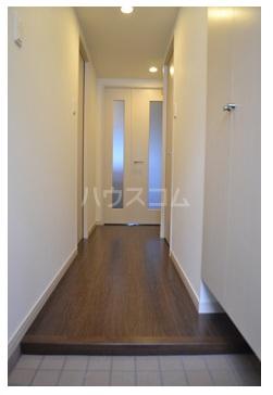 MDIグラシオヴィータ仲原 103号室の玄関