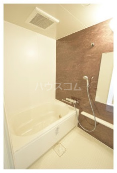 MDIグラシオヴィータ仲原 103号室の風呂