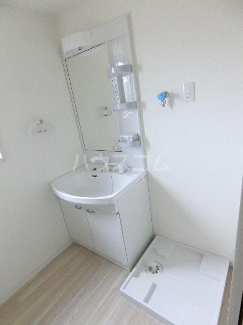 MDIグラシオヴィータ仲原 201号室の洗面所