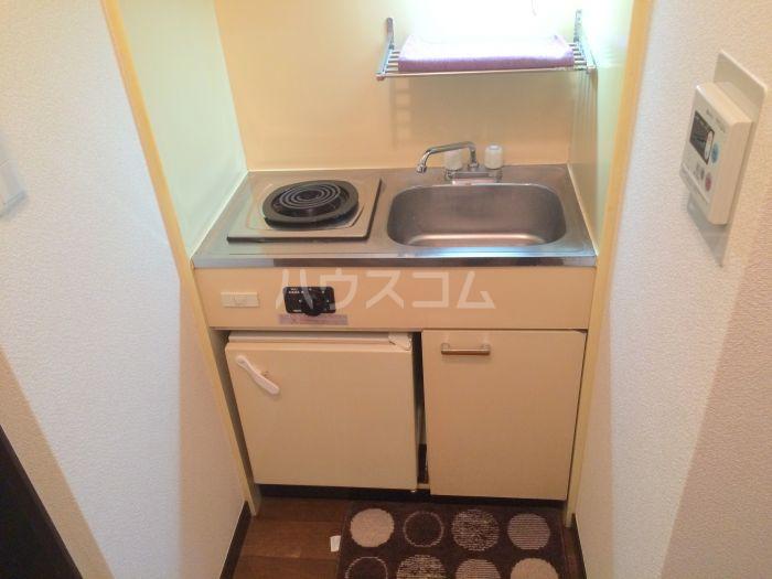 ストリームライン箱崎Ⅱ 502号室のキッチン