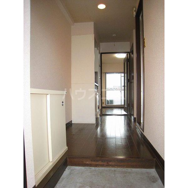 アメニティライフⅡ 303号室の玄関