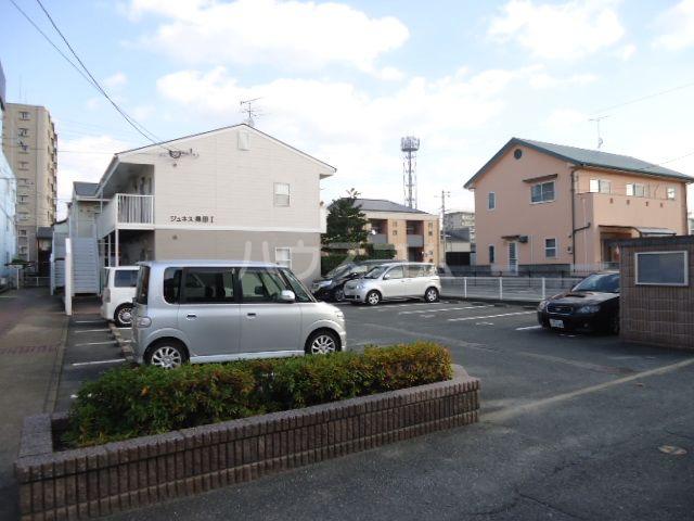 ジュネス奥田Ⅱ 101号室の駐車場