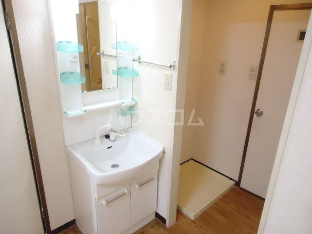 ジュネス奥田Ⅱ 101号室の洗面所