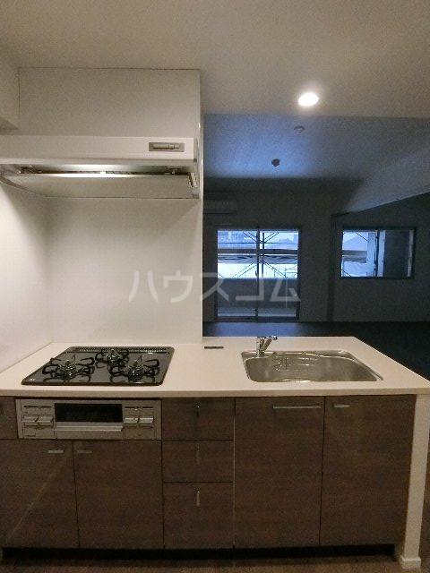 エンクレスト博多EASTPARK 208号室のキッチン