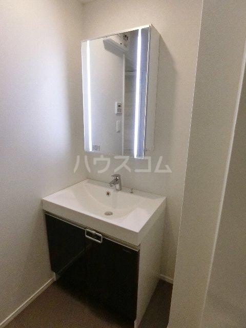 エンクレスト博多EASTPARK 208号室の洗面所