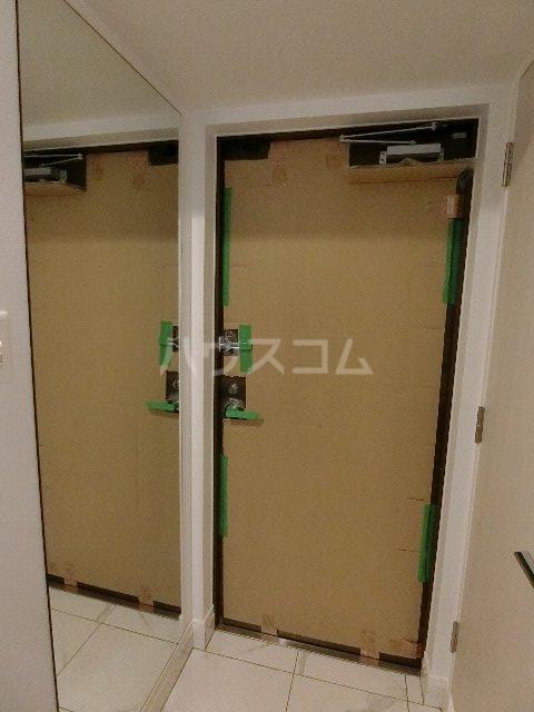 エンクレスト博多EASTPARK 208号室の玄関