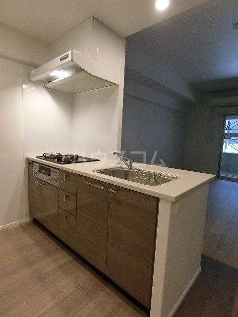 エンクレスト博多EASTPARK 210号室のキッチン