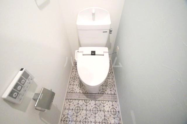 アルティザ博多駅前2 202号室のトイレ
