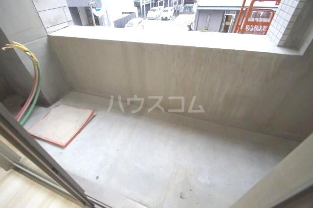 アルティザ博多駅前2 202号室のバルコニー