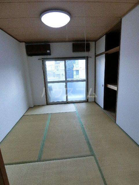 ドミールケンゾー 105号室のベッドルーム