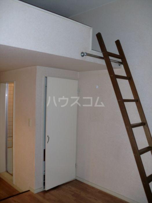 ネクス貝塚 101号室のリビング