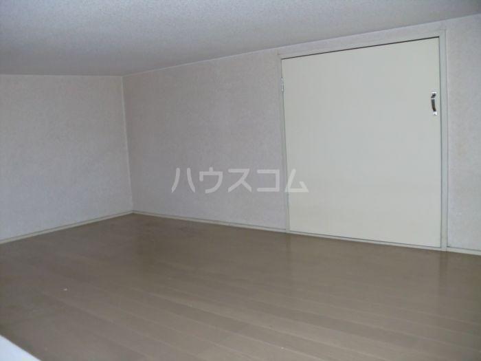 ネクス貝塚 101号室の収納