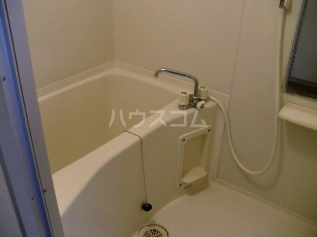モンターニュ2 202号室の風呂