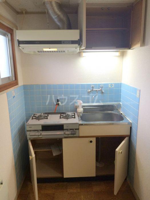 ホワイトランドコーポラス 102号室のキッチン
