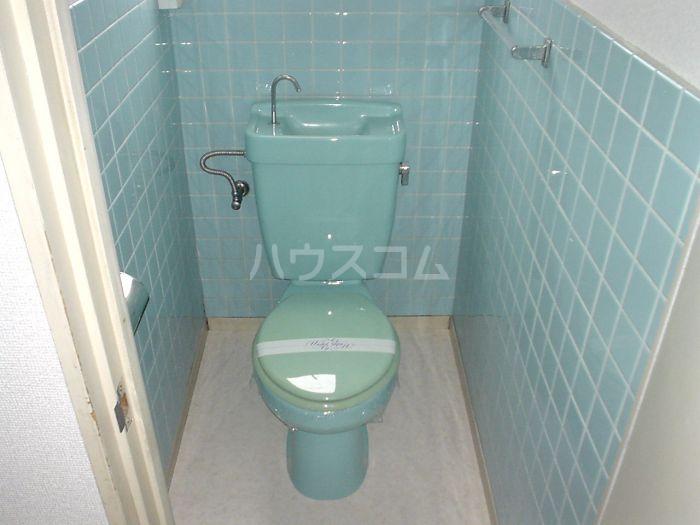ホワイトランドコーポラス 102号室のトイレ