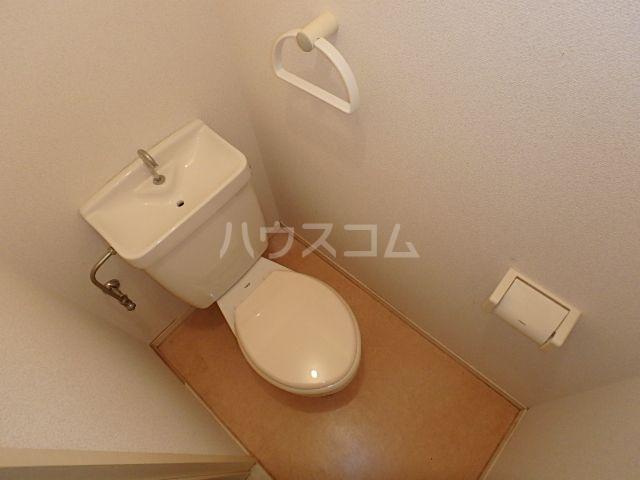 エレガント鬼塚Ⅲ 101号室のトイレ