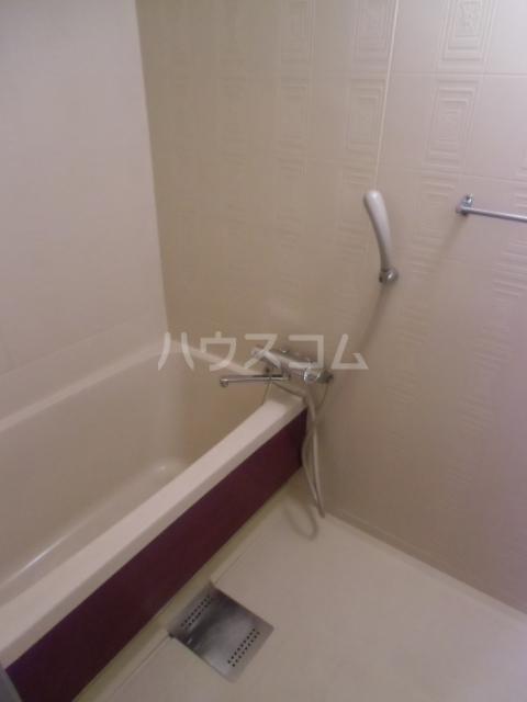 レジデンスマツ 103号室の風呂
