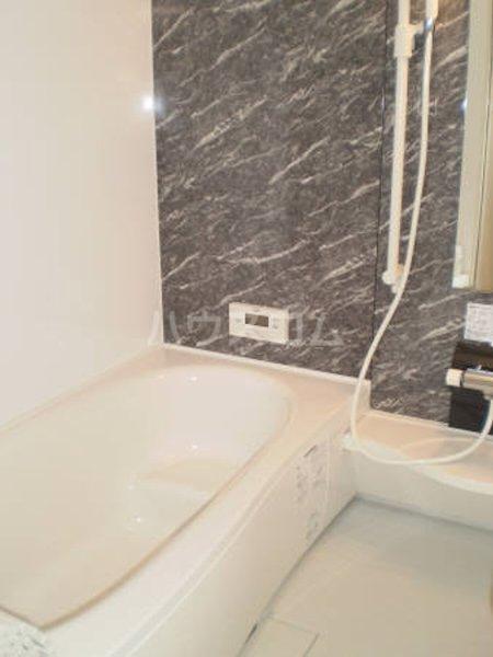 ハート・レイ彩佳 A201号室の風呂