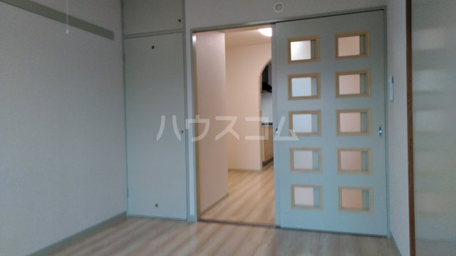 ペアシティ久喜弐番館 303号室の居室
