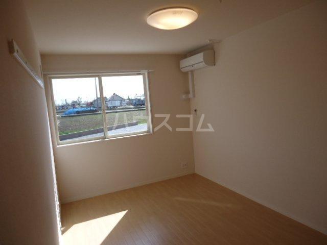 サニーヴィレッジ 103号室の居室