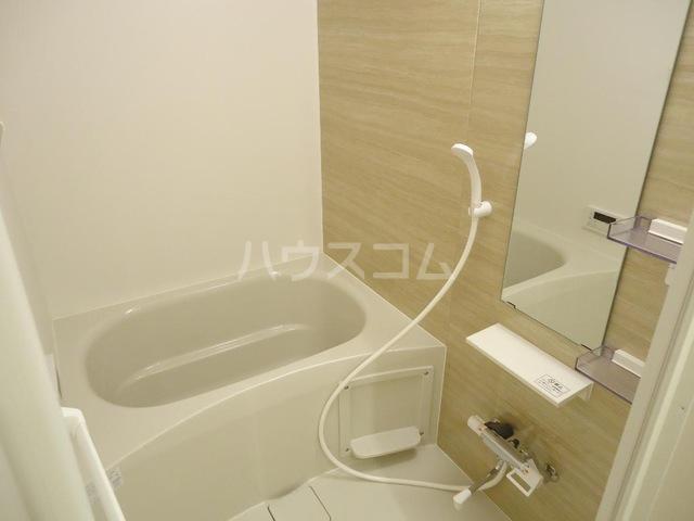 メゾンド・オウサム 105号室の風呂