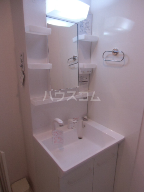 シャルマン 103号室の洗面所