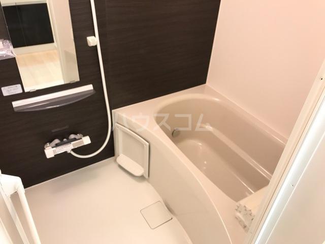 サンライズA 202号室の風呂